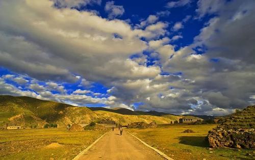 利群语赏析:人生就像一场旅行!